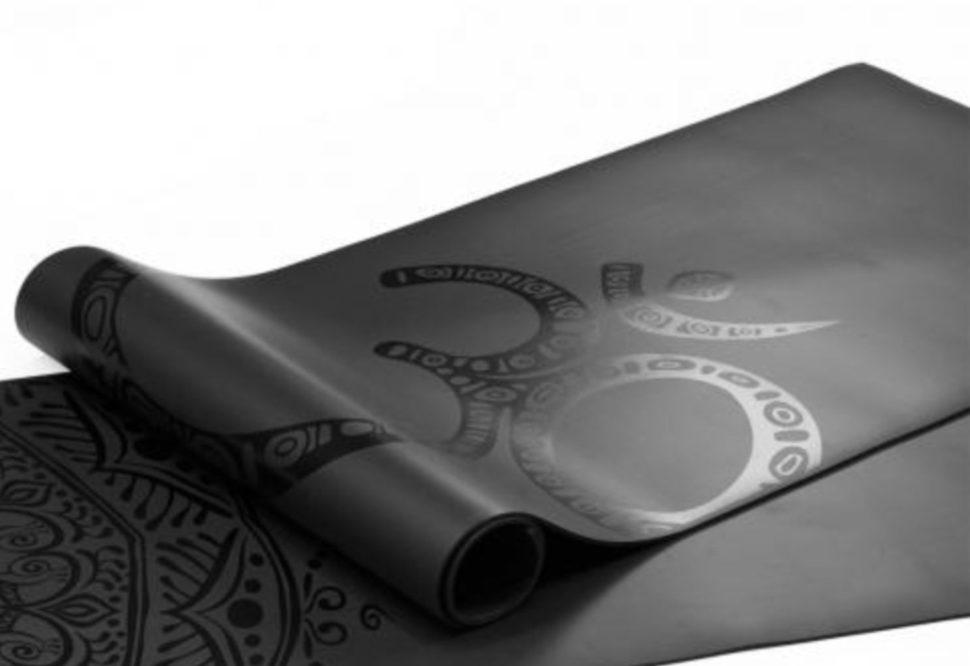 Vysoce kvalitní podložka pro jógu, vhodná i pro hot jógu.