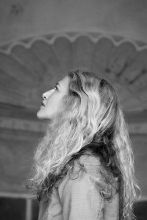 Karolína, tvůrkyně značky oblečení pro jógu YO joga YO.