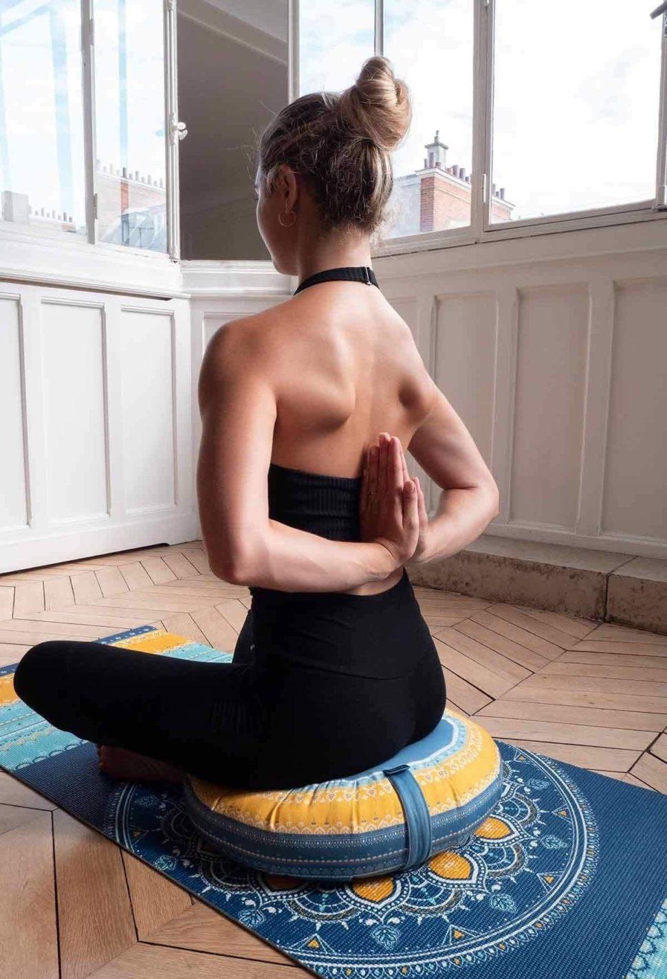 Krásná designová jóga podložka Bombay s vysokou kvalitou pro domácí jógu i jógu ve studiu.