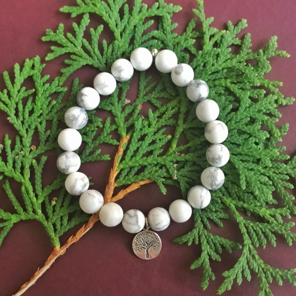Jóga náramek s magnezitem a přívěskem Strom Života, dárek pro ženu.
