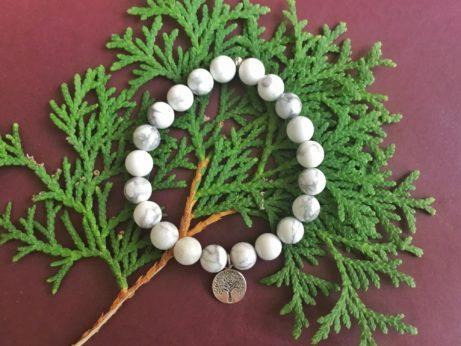 Náramek inspirovaný jógou, dárek pro jogínku a pro každou ženu.