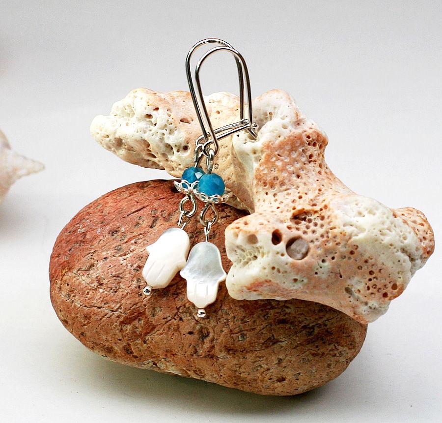 Náušnice a jiné šperky jako dárek pro jógu i pro běžné nošení.