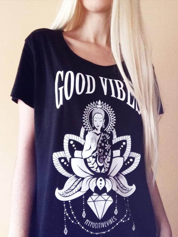 Dámské tričko pro jógu a volný čas.