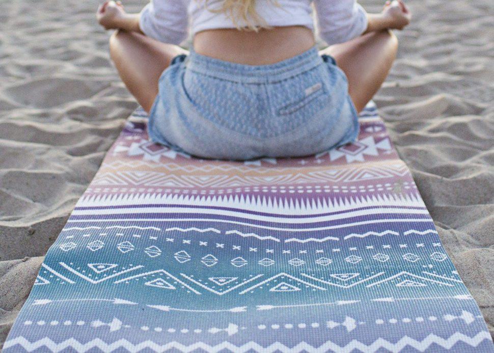 Designová krásná jóga podložka pro cvičení jógy