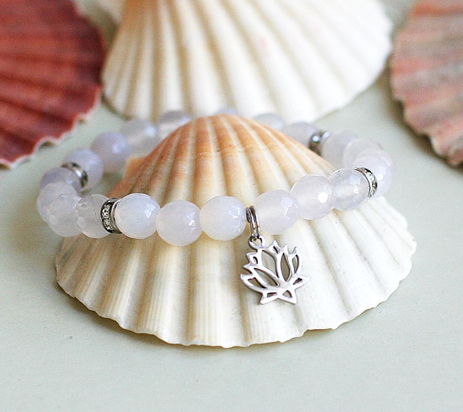 Jóga náramek s lotosem / dárek pro jogínky i nejogínky.