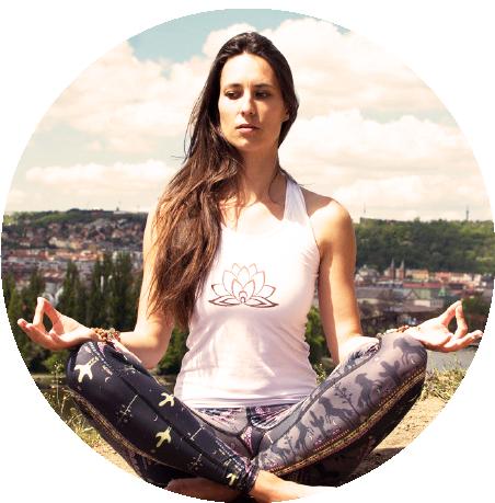 Cvičení jógy doma podle videí od jógy zobýváku