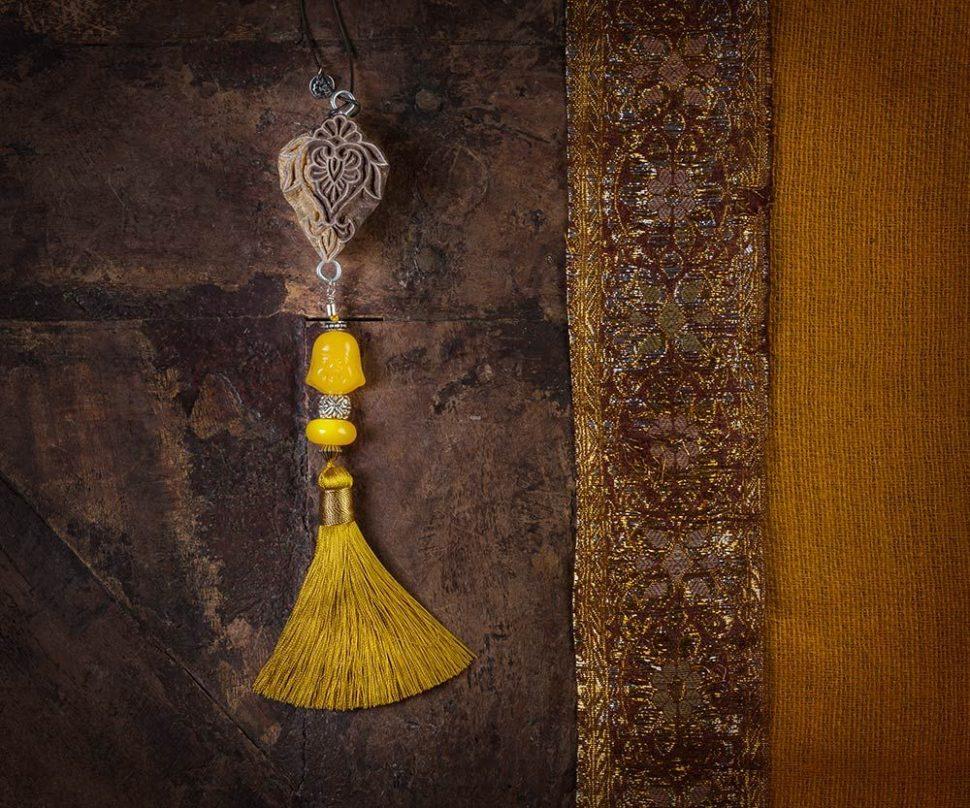 Dekorativní difuzér pro aromaterapii provoní Váš domov přírodní vůní čistých éterických olejů.