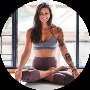 Lektorka jógy Andrea Kepková vytvořila pro projekt Jóga zobýváku balíček jóga rozcviček stématikou čaker.